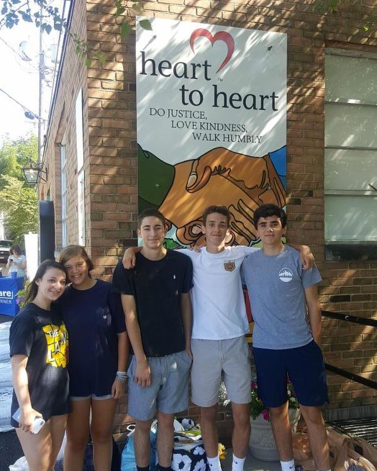 Heart to Heart Food Pantry, Give